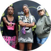 """O projeto Clássicas surgiu da necessidade de dar visibilidade para A TRÍADE PIONEIRA DO HIP-HOP, que se reuniu para mostrar que no Brasil, sempre teve representação feminina.  O coletivo CLÁSSICAS Hip-Hop é composto por Rose MC, Rubia RPW e Sharylaine. O projeto tem sido realizado por meio de transmissão on-line entrevistas, bate-papo e divulgação de seus trabalhos, além disso, têm reunido mulheres oldschool de todos os elementos: DJs, MCs, B.Girls e Graffiteiras. O resultado foi iniciarmos produção de lives de conhecimento, ao qual chamamos de Clássicas """"PAPO RETO"""", """"ENTREVISTA"""" E """"CONVIDA"""". Sharylaine - Ildslaine Mônica da Silva (Sharylaine Bakhita) fez parte do grupo Rap Girls, primeiro grupo de Rap formado por mulheres, uma das percussoras do Rap no Brasil, fundadora da Frente Nacional de Mulheres no Hip-Hop, MC, arte-educadora e uma das lideranças feminina dentro da cultura Hip-Hop Nacional; Rosangela Ribeiro Rocha (Rose MC) atua desde 1985, arte-educadora, uma das autoras do livro Perifaminas; Rubia Paula Fraga (Rubia RPW) é MC, Militante, Cientista Social pela Unifesp e arte-educadora."""