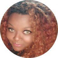 Pedagoga, arte-educadora, dançarina e coreógrafa de locking, popping, soul funk, dança afro, danças folclóricas, dança cigana, dança contemporânea, contadora de histórias, artista em pintura gestacional, capacitadora em Inteligência Emocional e Preparação Corporal. Integrou-se na Back Spin Kings em 1994. Foi uma das criadoras da Casa do Hip-Hop de Diadema e da Zulu Nation Brasil. Atualmente participa do Programa PIÁ, faz parte da equipe produtora da São Bento, colaboradora do projeto Pedagogia Hip-Hop USP.
