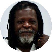 Professor Associado II na Universidade Federal do Tocantins (UFT), possui graduação no Curso de Ciências Sociais, mestre em Antropologia Social e doutor em Antropologia Social, todo pela USP. Autor do livro Hip-Hop, cultura e política no contexto paulistano (Appris).