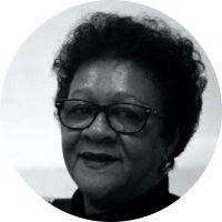 """Graduada pela Pontifícia Universidade Católica de São Paulo (PUC/SP) em PEDAGOGIA. Foi membro do Conselho Estadual da Comunidade Negra (SP) em 1985 e da DELEGAÇÃO BRASILEIRA """"Festival de Juventude em CUBA"""" em 1995. Foi coordenadora Pedagógica em Programas e Projetos Educacionais da OSCIP - Zulu Nation Brasil - Escritório central DIADEMA/SP entre 2002 e 2004. Atuou como consultora técnica especialista no sistema ONU (UNESCO - UNIFEM e PNUD) no Governo Federal (Ministério de Educação/Ministério do Meio Ambiente) e na Presidência da República do Brasil - Secretaria Especial de Políticas de Promoção de Igualdade Racial (SEPPIR) entre 2005 e 2010."""